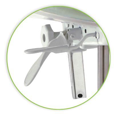 pelton spirit stools features levers